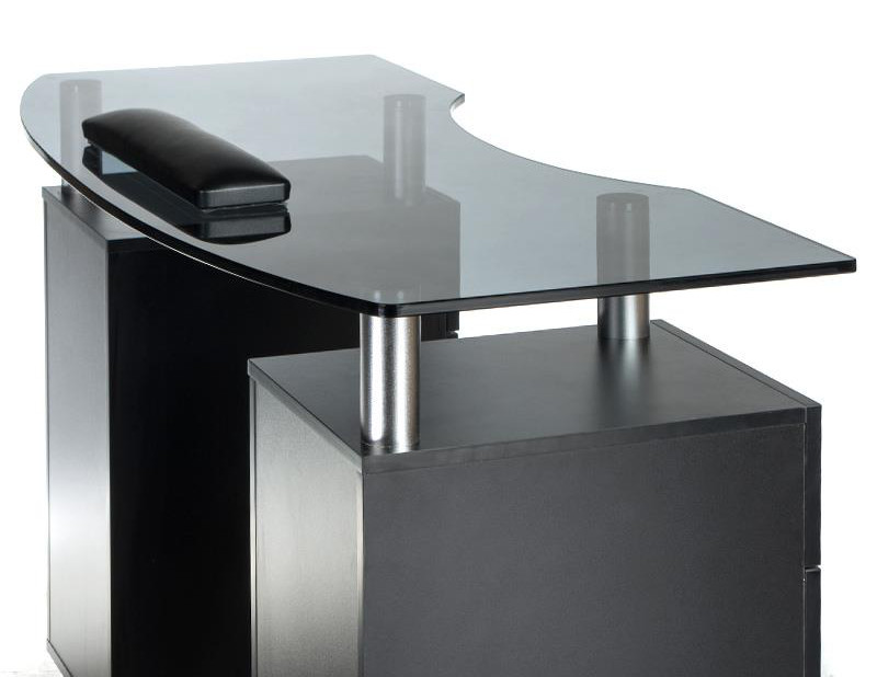 stolik do manicure z szafkami